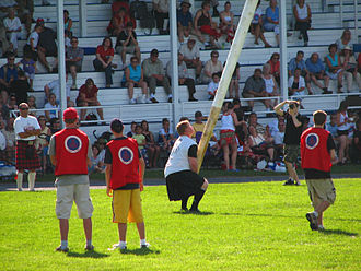Glengarry Highland Games - Tossing the caber