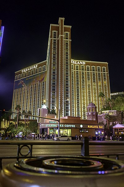 File:Treasure Island hotel by night.jpg