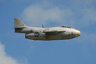 "Saab 29 Tunnan - 29670 ""Gul Rudolf"" in flight over Malmen"