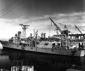 Todd Pacific Shipyards, Los Angeles Division - Image: USS Wadsworth (FFG 9) in the Todd Pacific