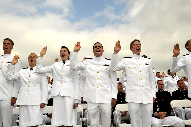 File:US Navy 100528-N-8273J-120 Midshipmen take the oath of office