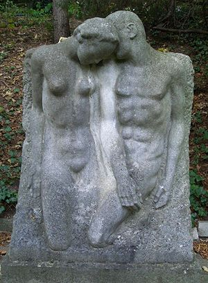 Early sculpture by Josef Thorak at the grave o...