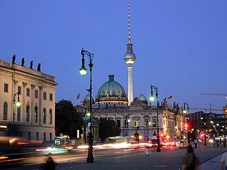 Unter den Linden - Image: Unter den Linden Berlin 2007