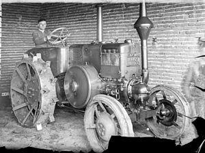 Heinrich Lanz AG - Lanz Bulldog in Romania, 1939.