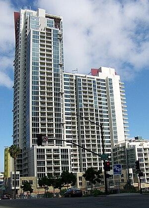 Vantage Pointe Condominium - Image: Vantage Pointe Condo San Diego Apr 09