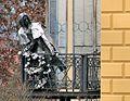Varga Imre szobra Liszt Ferencről a püspöki palota erkélyén, Pecs1.jpg