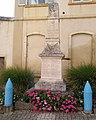 Vaux-en-Beaujolais - Monument aux morts.jpg
