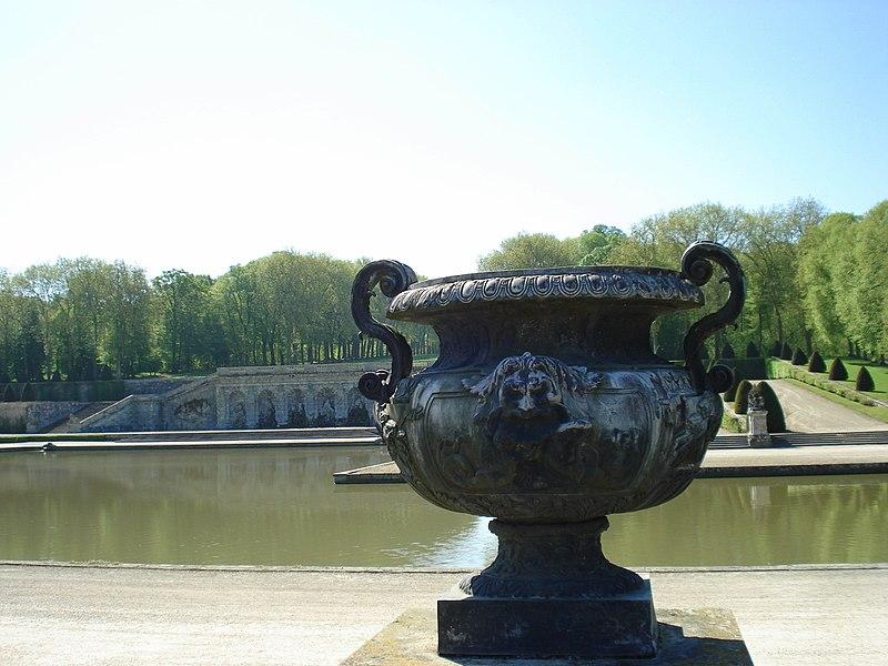File:Vaux le Vicomte (1341726335).jpg