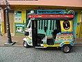 Veřejná doprava v Guatapé.jpg