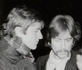 Biografía del grupo 270px-Veljko_Despot_i_George_Harrison%2C_Abbey_Road_Studios%2C_London%2C_1967.