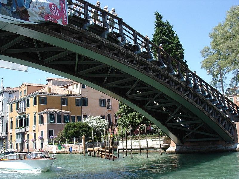 File:Venice (30376341).jpg