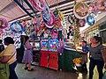 Venta de piñatas en el mercado de Jalpan, Querétaro.jpg