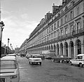 Verkeer op de Rue de Rivoli, Bestanddeelnr 254-0298.jpg