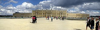 Wing (building) - Image: Versaillespanoraama 2