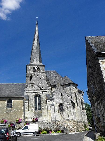 Église Saint-Symphorien du Vieil-Baugé (49). Chevet.