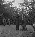 Viering van de 64e verjaardag van koningin Wilhelmina in Regents Park. Toespraak, Bestanddeelnr 935-2531.jpg