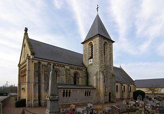 Vieux, Calvados - Image: Vieuxlaromaine église 01