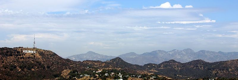 file view towards hollywood sign and hollywood hills los. Black Bedroom Furniture Sets. Home Design Ideas