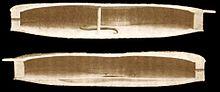 Sezione longitudinale della cassa. La tavola è rivolta in basso (come si vede dalle effe) e il fondo in alto. Nella parte sinistra (sopra) si nota l'anima, in quella destra (sotto) la catena incollata alla tavola.