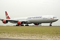 Virgin Atlantic Airbus A340-600 SYD Gilbert.jpg