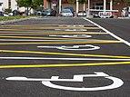 Vitoria - Hospital de Txagorritxu - Parking - Plazas para minusválidos 01.jpg