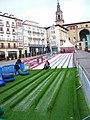 Vitoria - Plaza de la Virgen Blanca, rampa de trineos.jpg