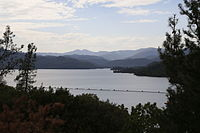 Whiskeytown Lake (14723647547).jpg