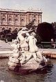 Wien Fountain - No Fish Please - Maria-Theresien-Platz, Vienna 1993.jpg