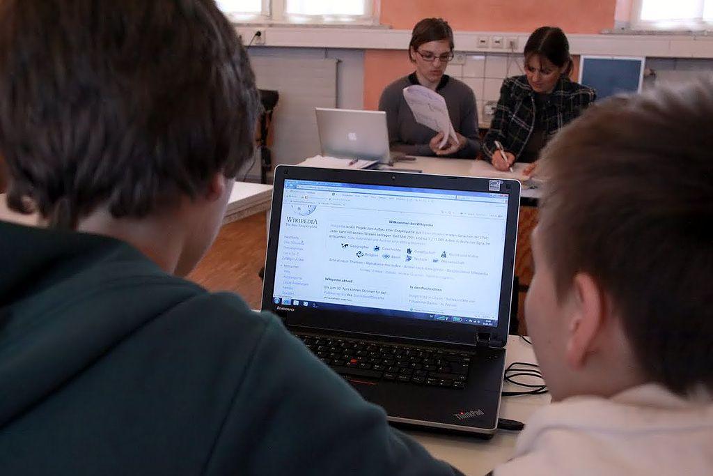 Usando ordenadores en clase