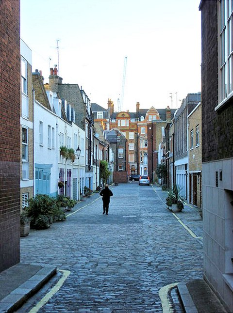 Wimpole Mews - geograph.org.uk - 606645