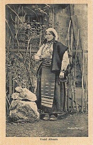 Vraka - Woman from Vrakë.
