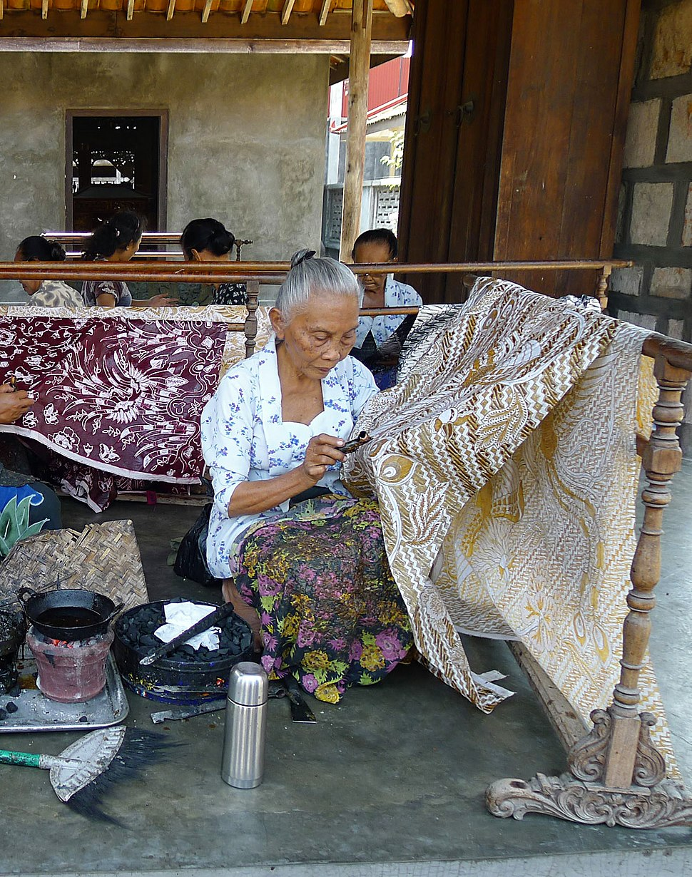 Women Making Batik, Ketelan crop