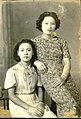 Women in dresses in Byōritsu.jpg