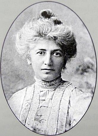 Nino Nakashidze - Portrait of Nakashidze in her signature white hair