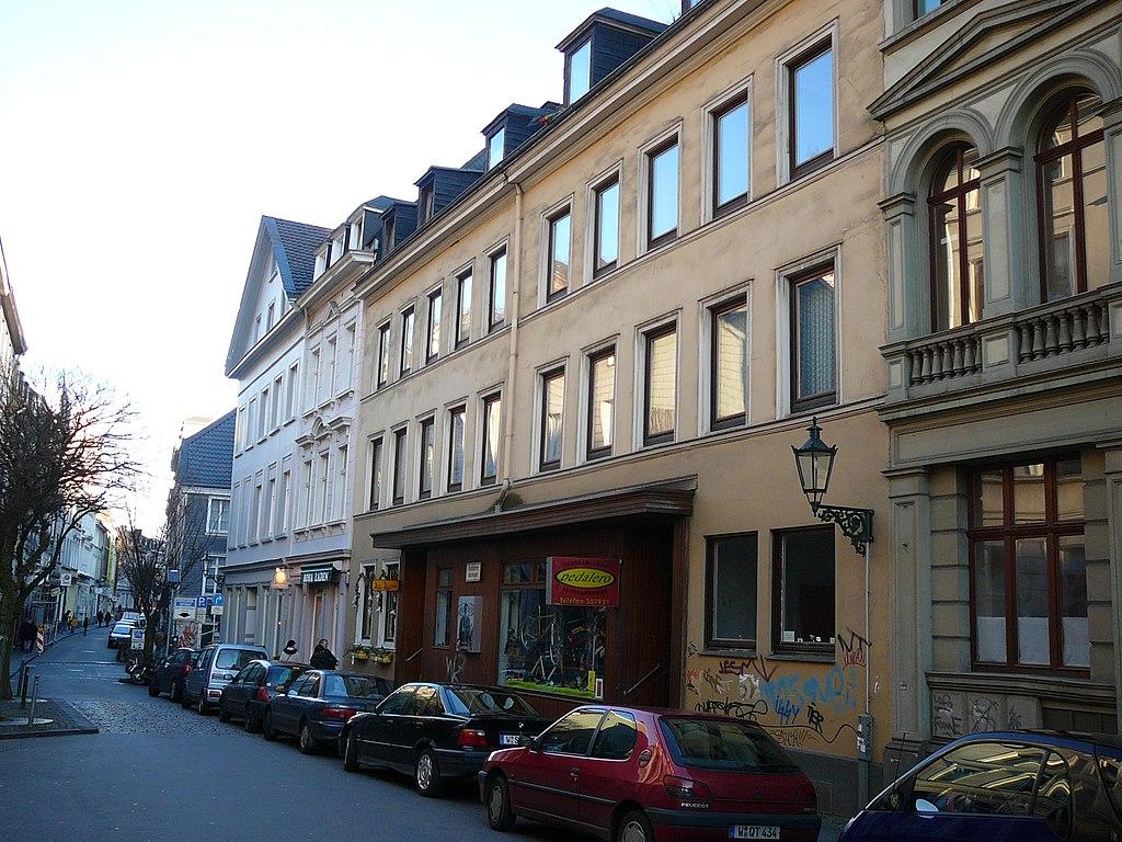 1024px-Wuppertal_Friedrich-Ebert-Str_0028.jpg