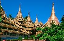 Yangon - Shwedagon Pagoda 03.jpg