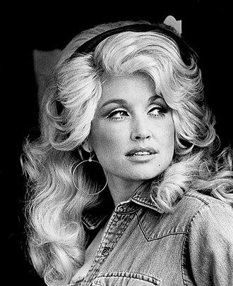 Dolly Parton - Parton in 1977