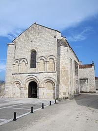 Église Notre-Dame-de-la-Nativité de Fontaines.JPG
