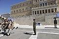 Στιγμιότυπο αλλαγής φρουράς στο Μνημείο Αγνώστου Στρατιώτου.jpg