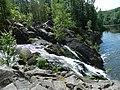 Боковой водопад в системе Кивач.jpg
