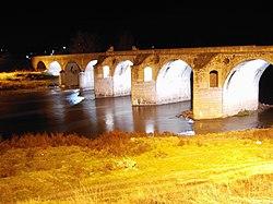 Бяла - мостът на Кольо Фичето през нощта.jpg