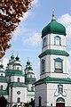 Дзвіниця Троїцького собор на його фоні у Новомосковську Дніпрпетровської області.JPG