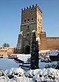 Зимова В'їзна вежа Луцького замку.jpg