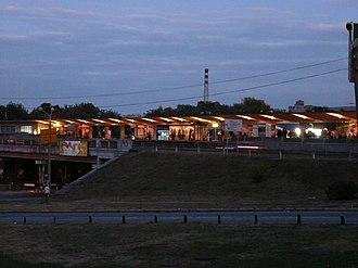 Livoberezhna (Kiev Metro) - Image: Лівобережна (станція метро) 1