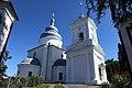 Покровська церква з воріт.jpg