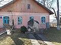 Школа естетичного виховання в с. Більче-Золотому, пам'ятний знак дослідникові трипільської культури.jpg
