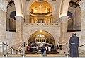 מיסה בכנסיית ההשתנות בהר תבור.jpg