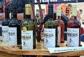 020 Weinsorten aus Nord-Vorkarpaten, eine Auswahl verschiedener Weine mit Wiarusmotive auf den Etiketten, Jasło 2013ł Products of Poland.JPG