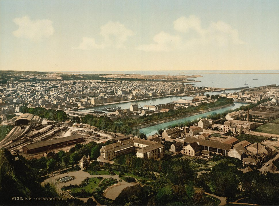 04996u - General view from fort du Roule, Cherbourg, France