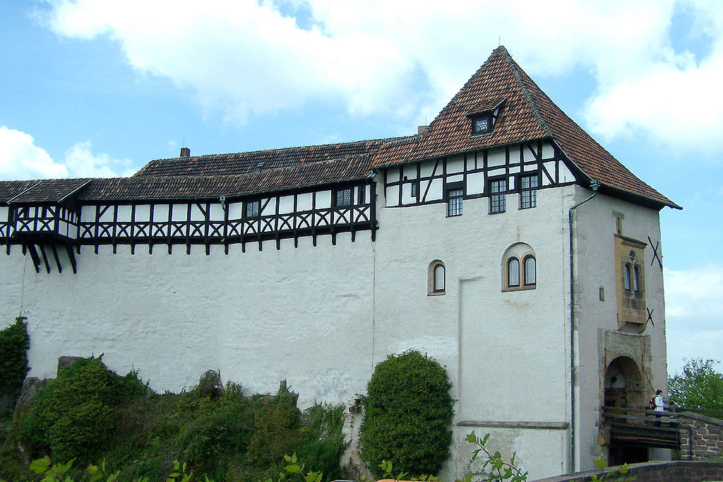 04 Wartburg Torhaus1 Wehrgang